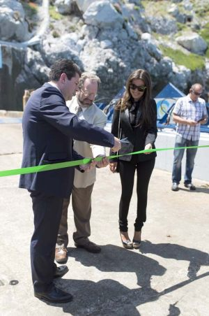 Eco-wave-power-Catting-the-ribbon-event